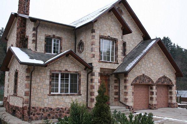 Дом из камня.